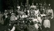 Latviešu bēgļi, svinot Jāņus Krievija, Soļcos, 1916.g.