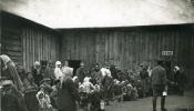 Latviešu bēgļi pie virtuves ceļā uz Krieviju, 1916.g.