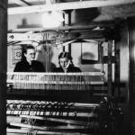 Anna Apinis aušanas darbnīcā Memmingenas nometnē, ap 1947.g.