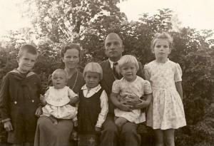 Simsonu ģimene Latvijā, 1943. g. vasarā